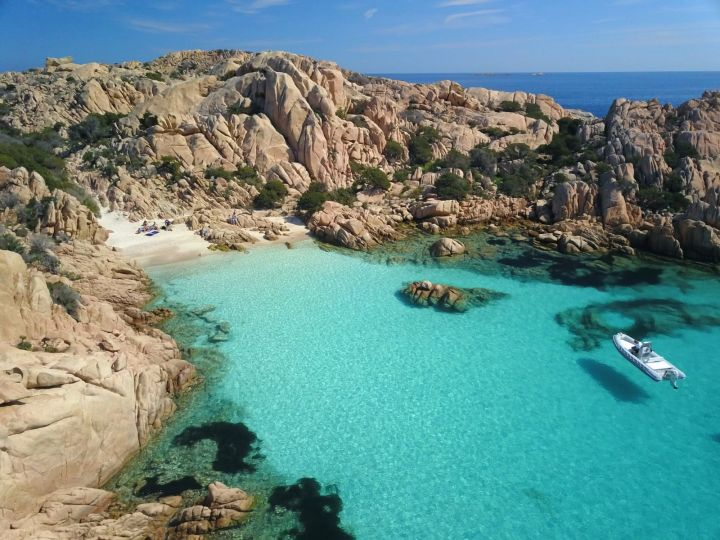Spiagge più belle in Sardegna: Cala Coticcio, Caprera