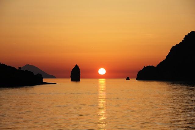 Vulcano al tramonto