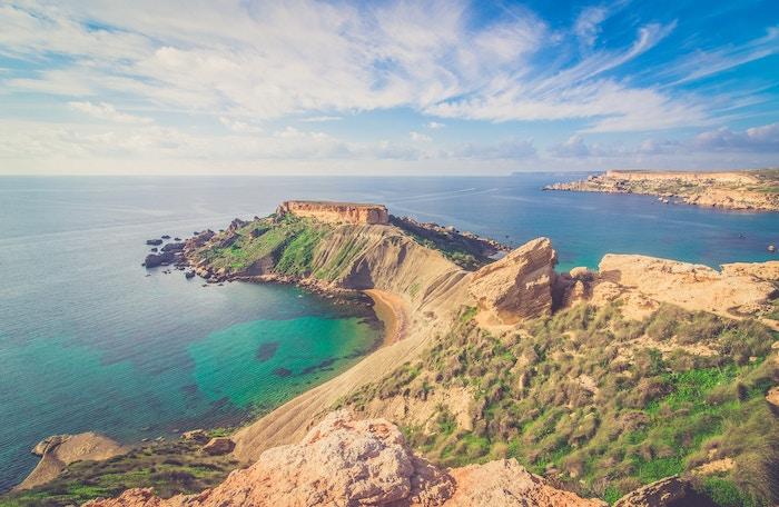 vista aerea della costa maltese