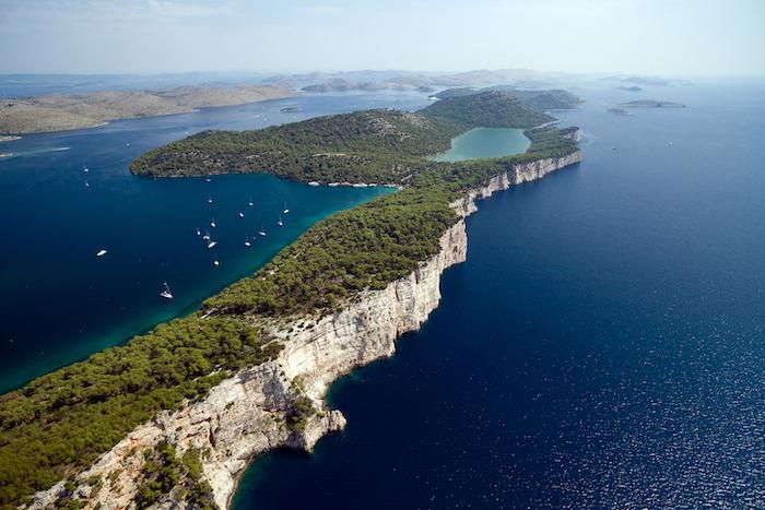 foto aerea della costa in Croazia