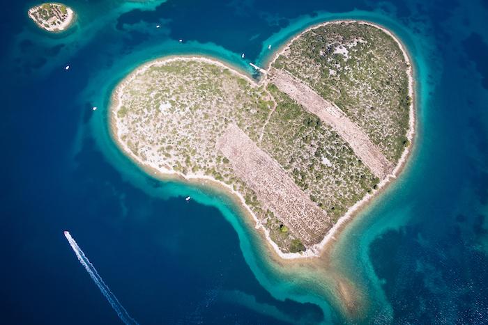 foto aerea di galesnjak in Croazia