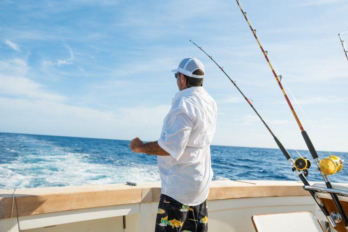 Pesca in mare dalla barca, attività nautica