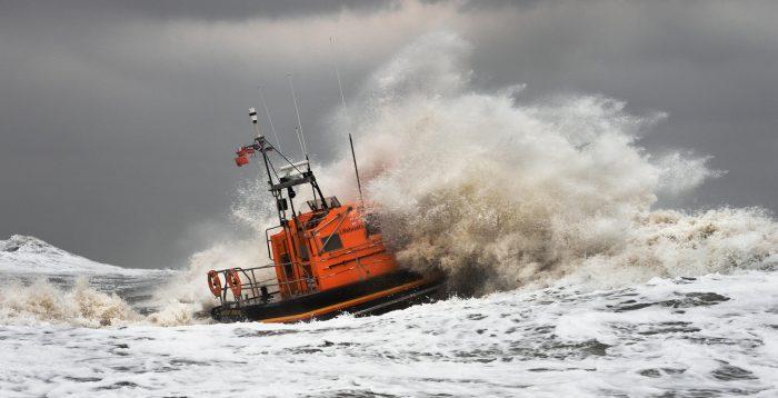 un pericolo per i naviganti: la tempesta